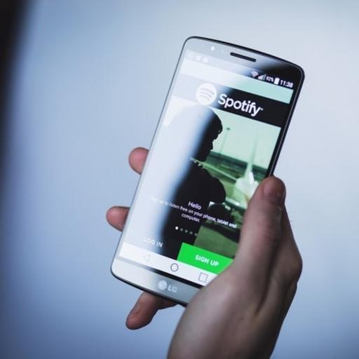 PC reparada. Sale Pocketcast entra Spotify.